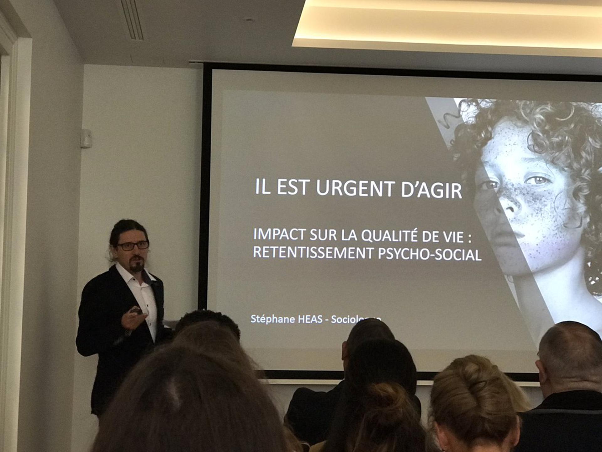 Conférence de peau Objectifs Peau. L'impact des maladies cutanées en France.